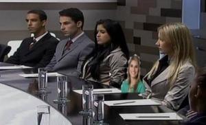 Marina não sabe se defender na mesa e se apequena diante dos rivais